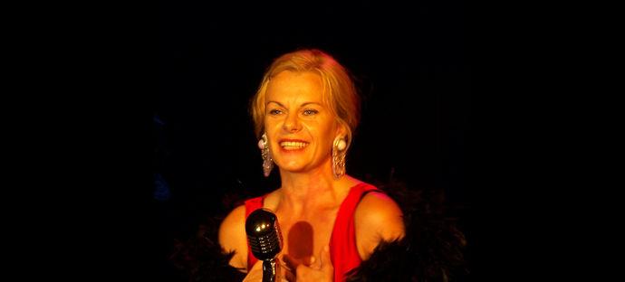 Judyta Paradzińska, teatr Opole, teatr w Opolu, spektakl, spektakl śpiewany, spektakl muzyczny, piosenki w teatrze,
