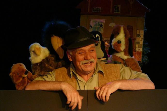 Gajowy Badura - Waldemar kotas - aktor, teatr dla dzieci, dziecięcy teatr, teatr dla najmłoszyszych, przedszkolaki do teatru, szkoła teatr,
